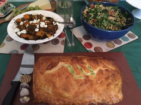 Salmon en croute and salads